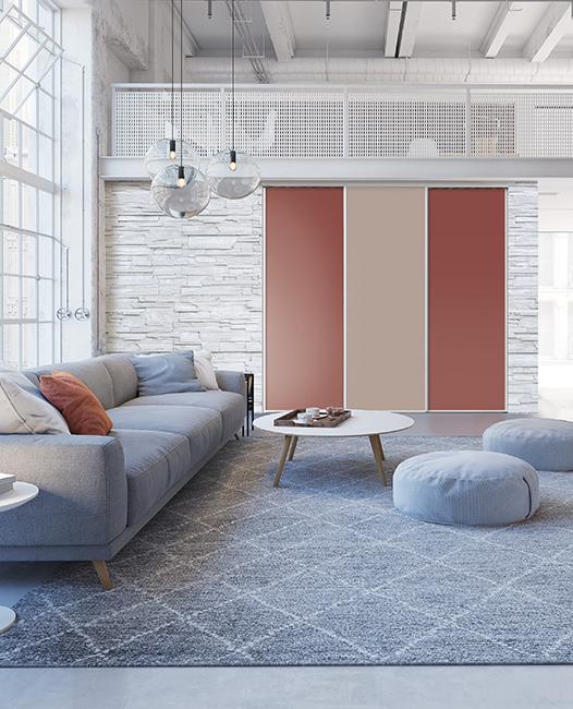 Portes de placard salon décor terracotta et beige rosé